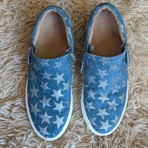 Gentle Souls Kenneth Cole Slip On Lowe Sneakers